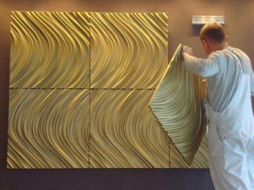 Перед установкой панелей поверхность нужно выровнять и очистить