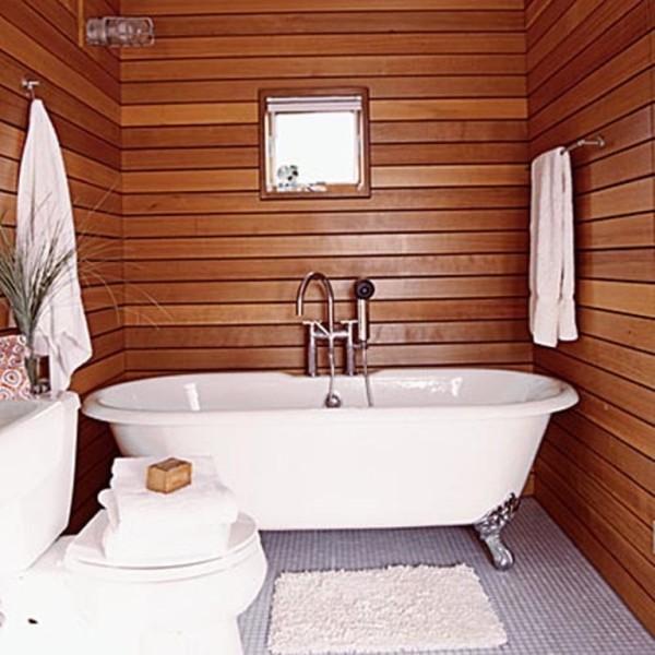 При отделке ванной комнаты деревом следует выбирать породы, устойчивые к грибку, влаге и плесени: дуб, сосна, бук