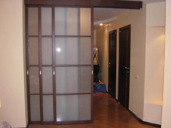 Межкомнатные перегородки отлично подходят для разделения пространства дома