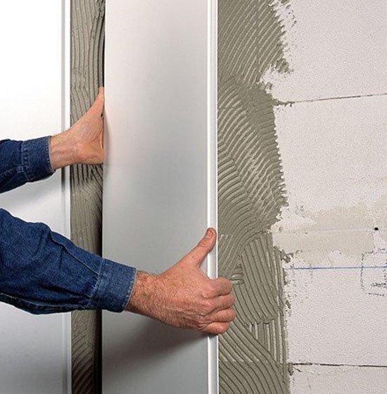 На ровные стены панели пвх можно устанавливать без каркаса