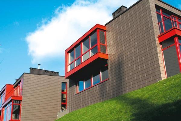 Дом облицован керамической плиткой