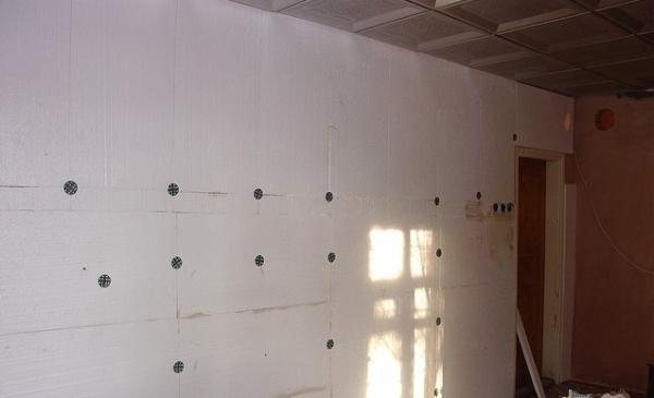 Стены, утепленные пенопластом