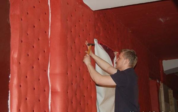 Крепление материала на стены