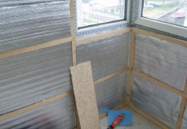 Фольгированный утеплитель для стен