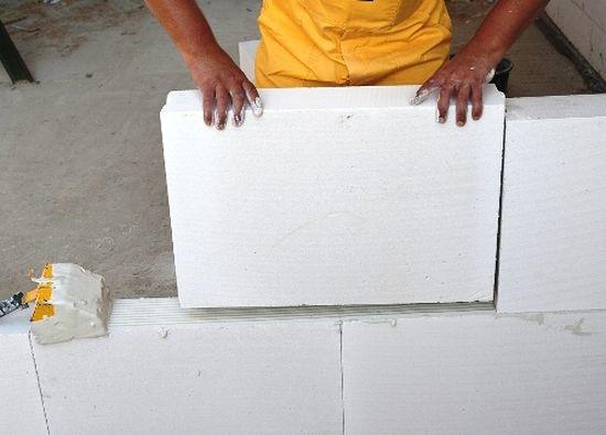 Установка перегородок из пазогребневых плит