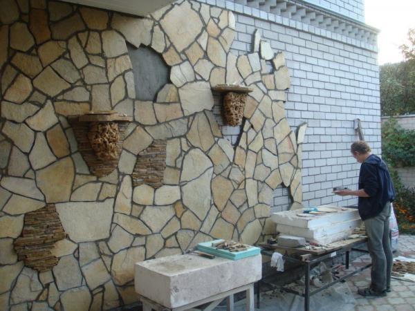 Облицовка стен песчаником