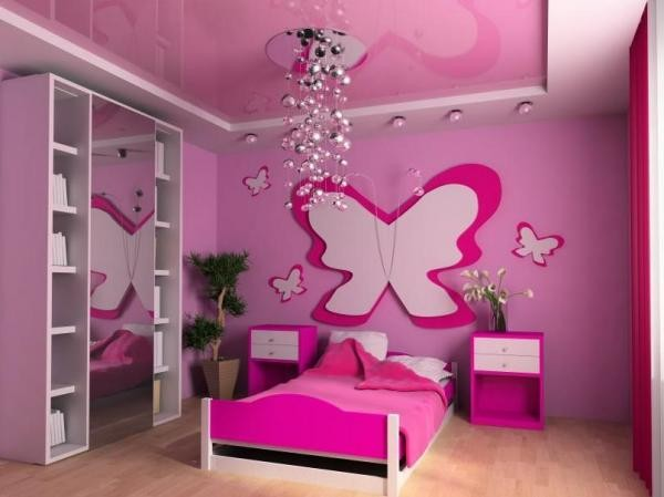 Спальня с розовыми обоями для девочек
