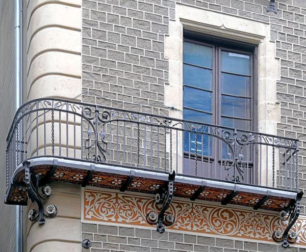 Русты на фасаде
