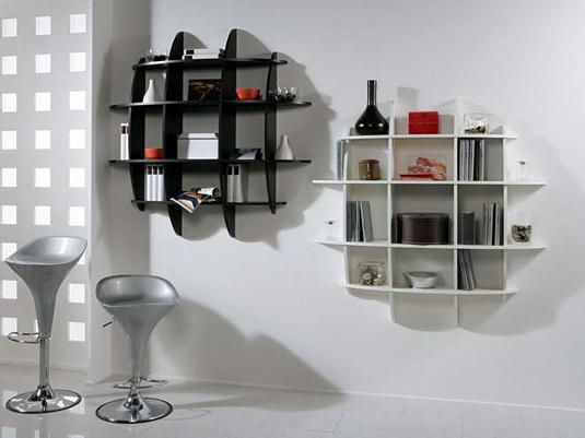 Дизайнерское решение книжных полок