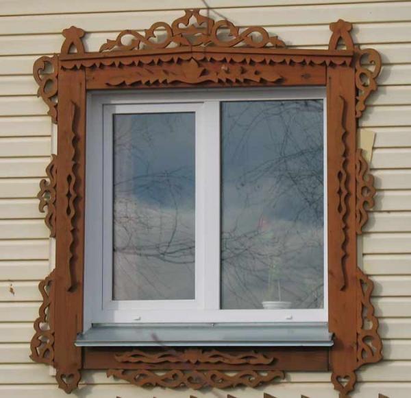 Резные деревянные наличники на окна