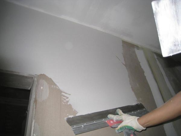 Шпаклевка применяется для финишного выравнивания стен