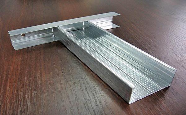 Для металлического каркаса используются п-образные профиля