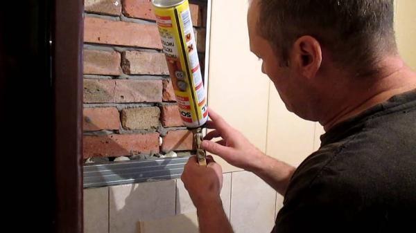 Как приклеить пластиковые панели к стене