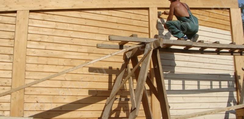 чем покрыть деревянный дом снаружи