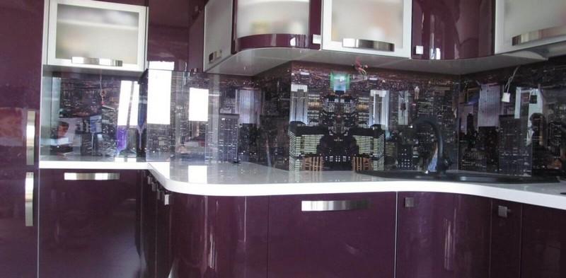 Фартук и фасады для кухни из стекла