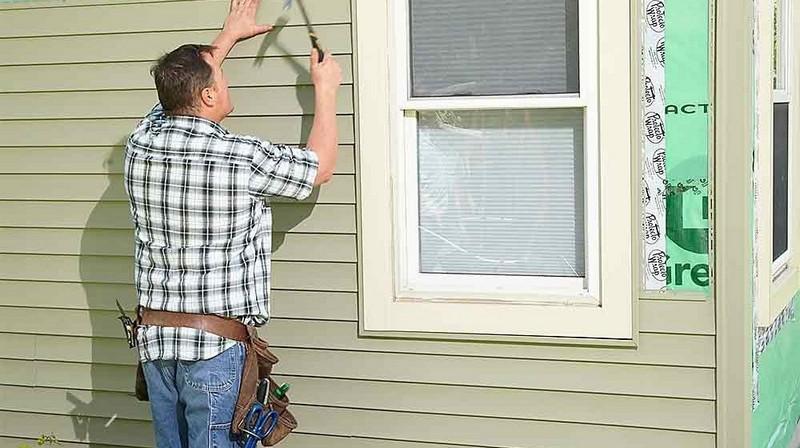 Как обделывать фасад дома сайдингом