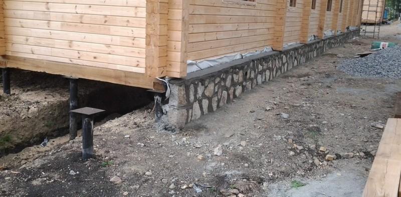 натуральный камень для отделки цоколя дома