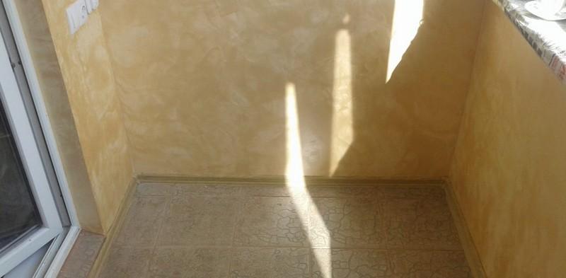 Как покрасить кирпичную стену на балконе своими руками: фото.