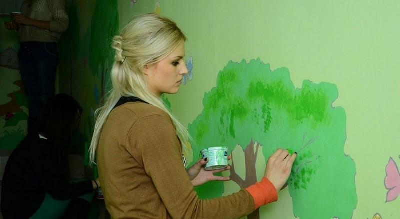 рисунки на стенах в детском саду